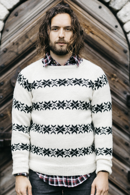 Men\'s Colourwork Sweater with Raglan Sleeves Free Knitting Pattern ...