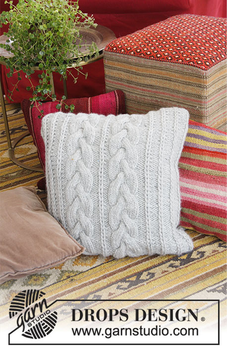 Winter Snuggle Pillow Cabled Free Knitting Pattern & Pillows \u0026 Cushions ⋆ Knitting Bee (57 free knitting patterns) pillowsntoast.com