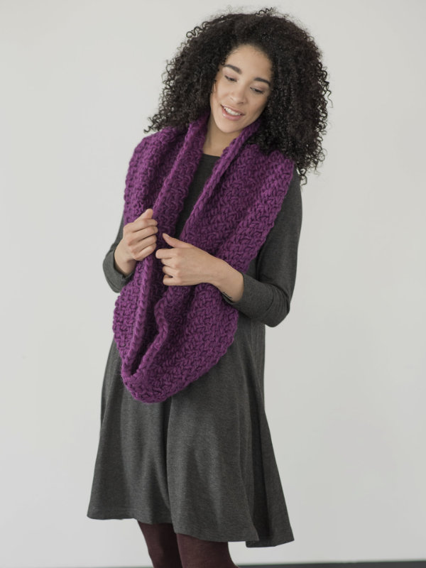 Yura Easy Free Cowl Knitting Pattern