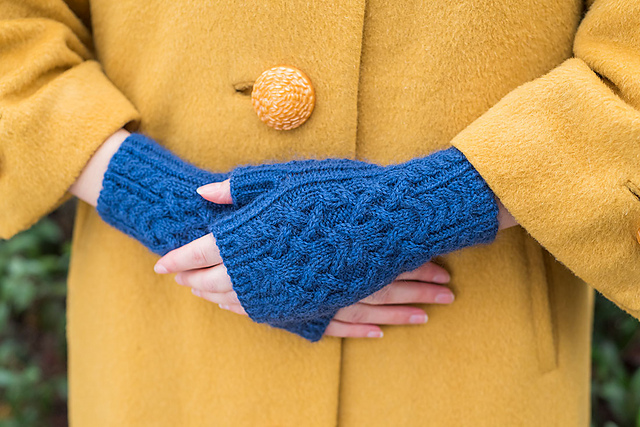 Homeward Bound Mitts Free Knitting Pattern