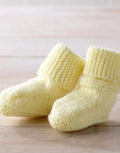 Tizz baby Booties Free Knitting Pattern