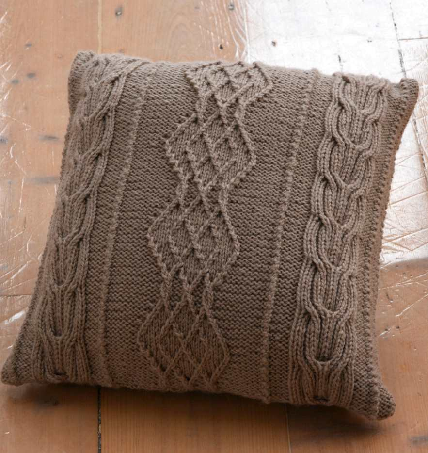 Aran Cushion Free Knitting Pattern ⋆ Knitting Bee