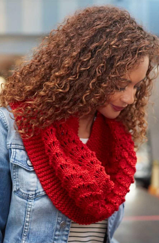 Be True Knit Cowl Free Pattern ⋆ Knitting Bee