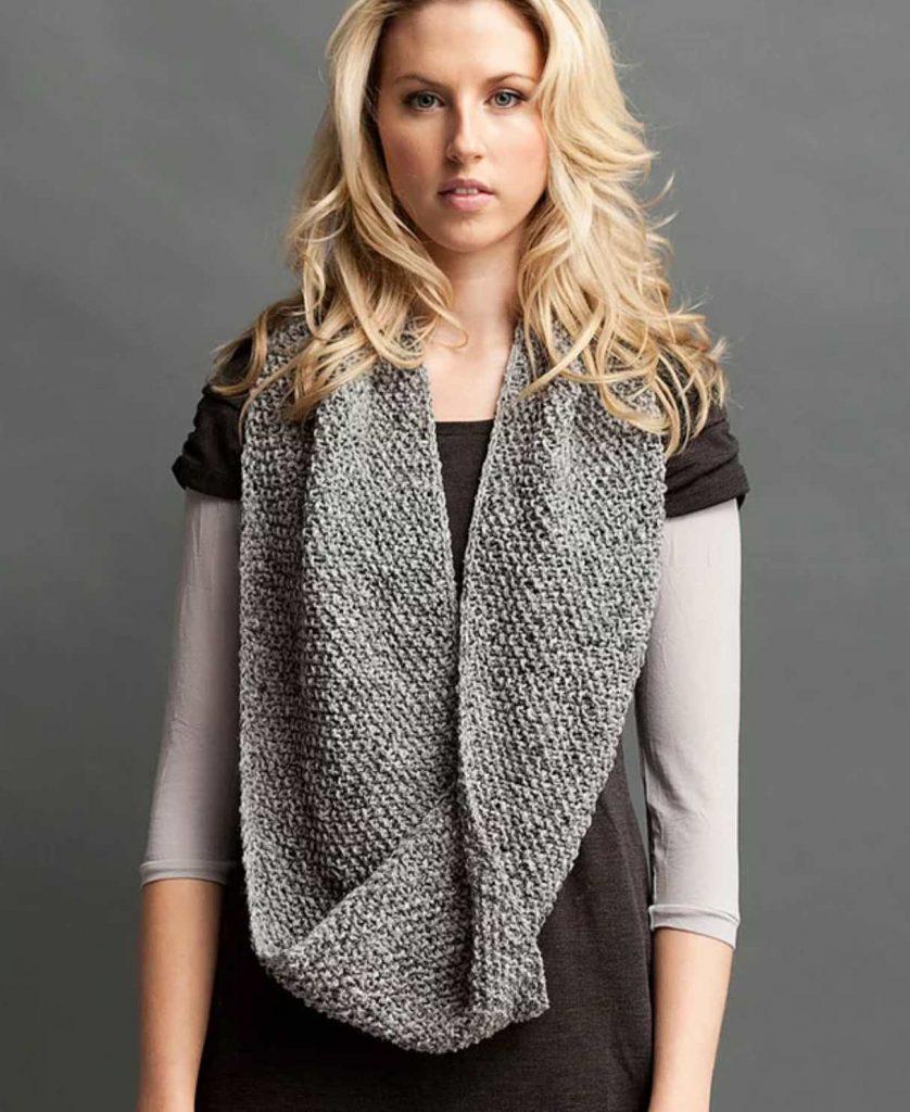 Easy Moss Stitch Cowl Free Knitting Pattern