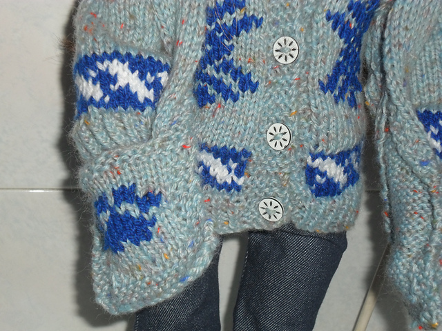 """Free knitting pattern for 18"""" Doll Hat and Scarf"""