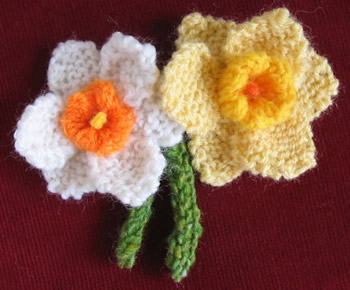 Knitted Daffodil Free Pattern