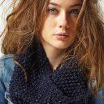 Navy Moss Cowl Free Knitting Pattern