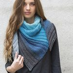 Triangular scarf free knitting pattern with a color gradient. Scarf knitting pattern free.
