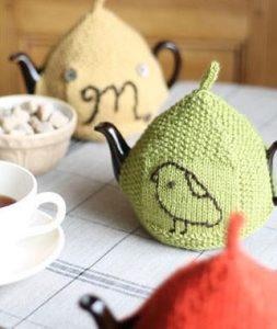 Seed-Stitch Tea Cozy Free Knitting Pattern