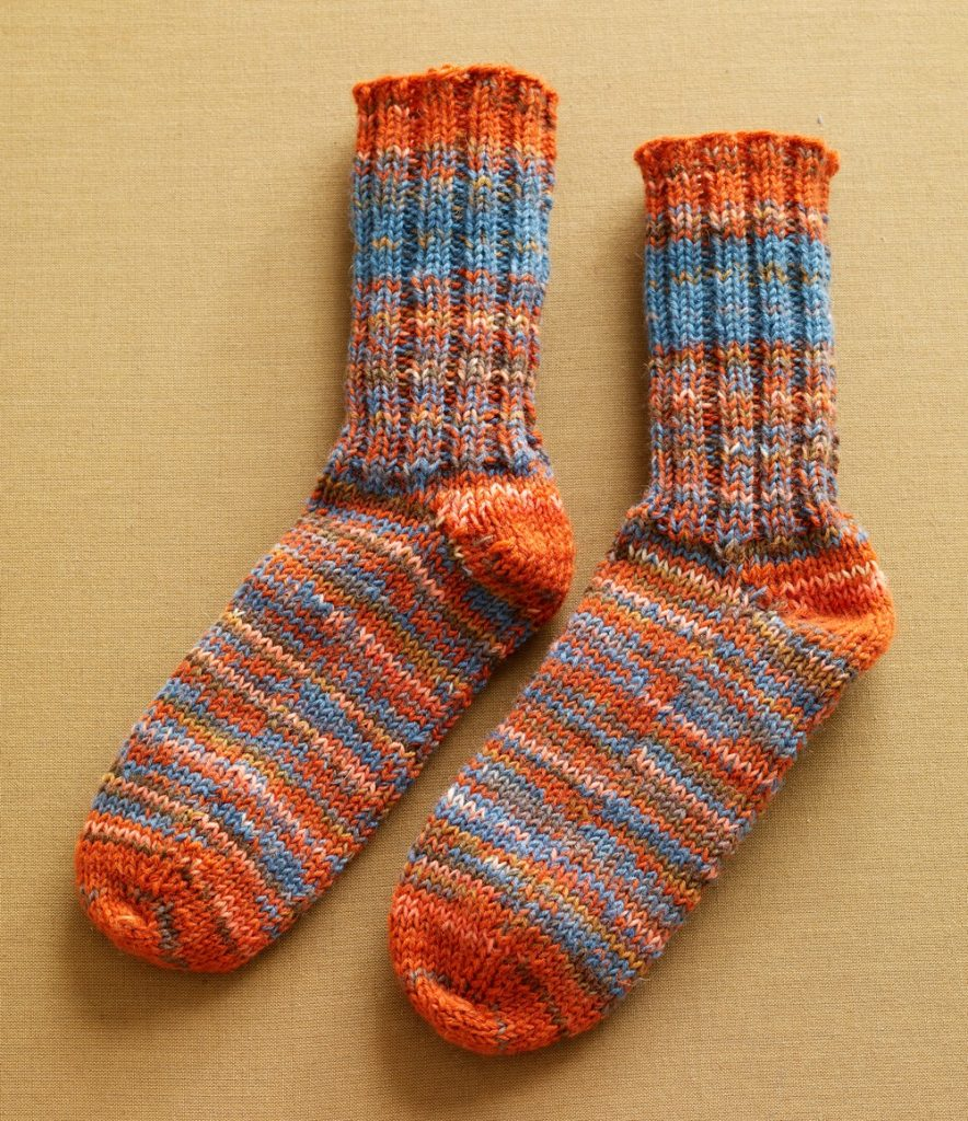 Womens Double Strand Toe Up Socks Free Knitting Pattern ⋆ Knitting Bee
