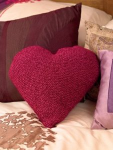 heart cushion free knitting pattern