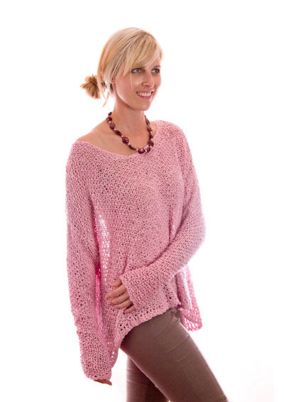 Ini's Flop Oversized Top Free Knitting Pattern. Free summer top knitting pattern with long sleeves, airy oversized top.