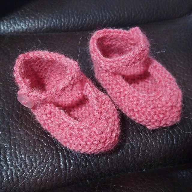 Little Rose Booties Free Knitting Pattern