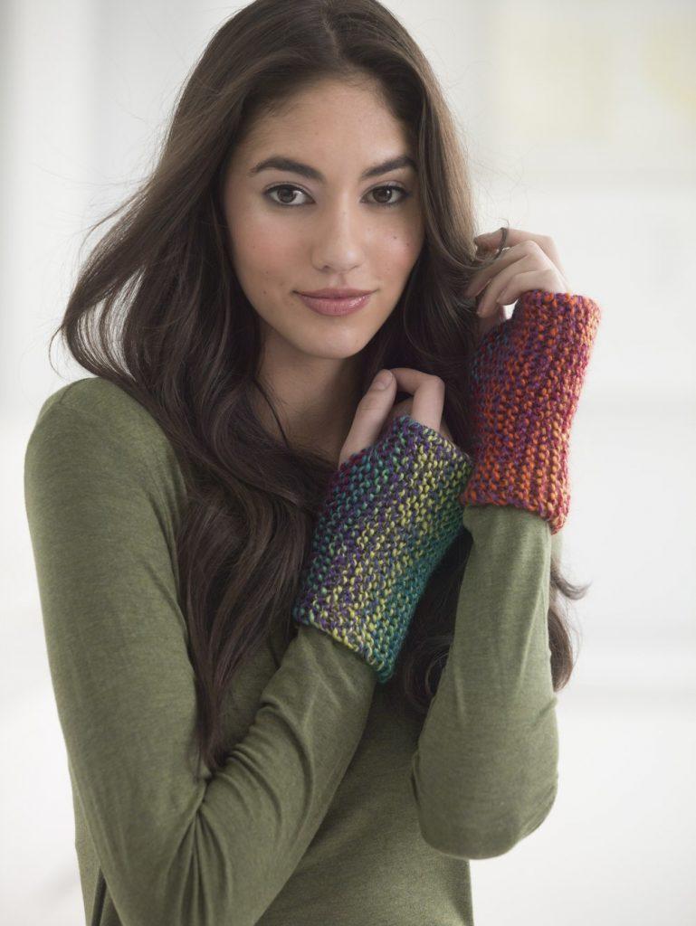 Free Knitting Pattern for Basic Wristers.