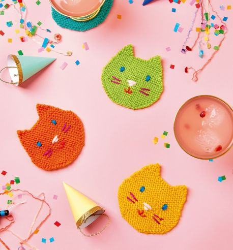 Free Knitting Pattern for Kitty Coasters.