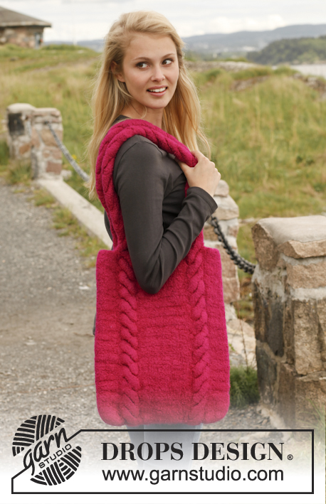 Free Knitting Pattern for a Cable and Garter Stitch Handbag