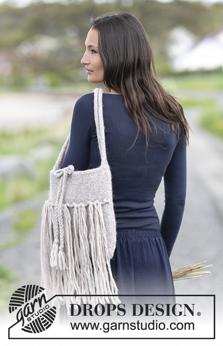 Free Knitting Pattern for a Handbag with Fringes