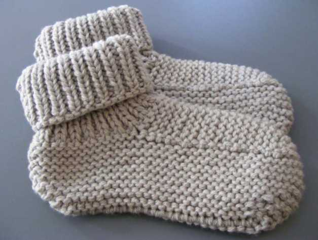 Nola's Knitted Slippers Free Knitting Pattern