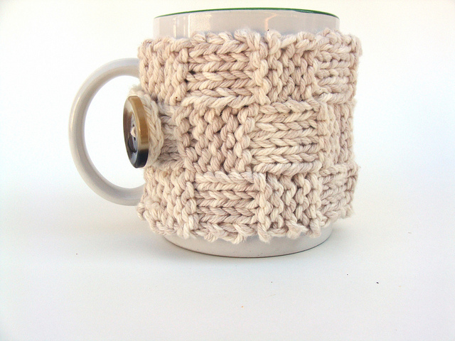 Basketweave stitch cozy free and easy knitting pattern.