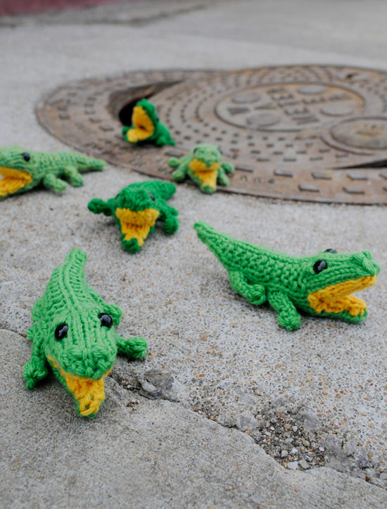 Free Amigurumi Knitting Pattern for Baby Gators.