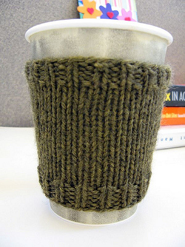 Free Knitting Pattern for a Quick and Basic Coffee Cozy.