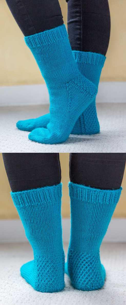 Free Knitting Pattern for My First Socks. Easy sock pattern, prefect for beginner sock knitters.