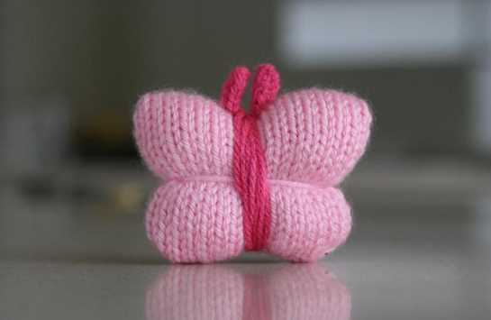 Free Knitting for a Quick and Very Easy Butterfly
