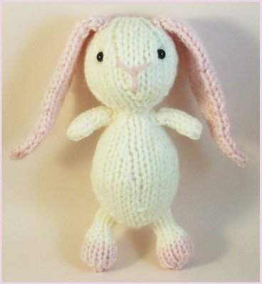 Free bunny rabbit amigurumi knitting pattern
