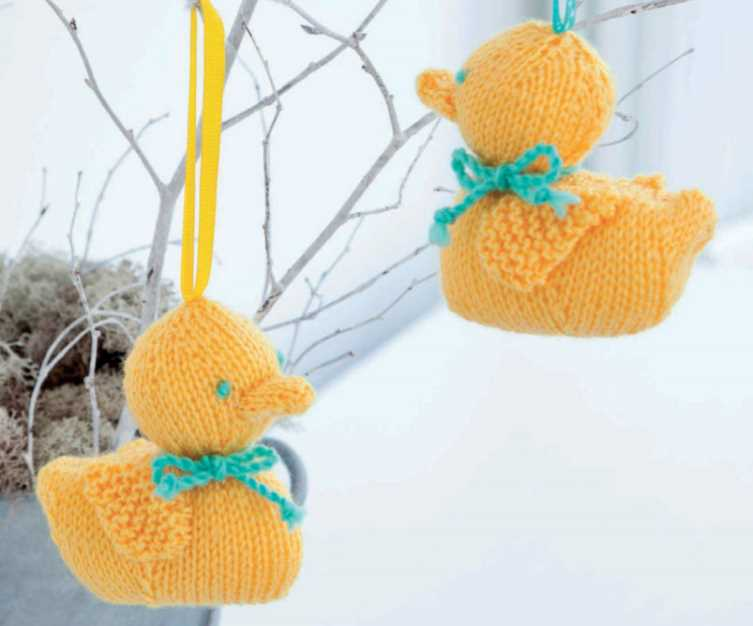 Free Knitting Pattern for Easter Ducklings