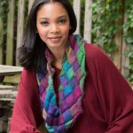 Free Knitting Pattern for an Entrelac Knit Cowl