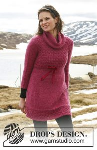 Free knitting pattern for a beehive stitch dress with turtleneck