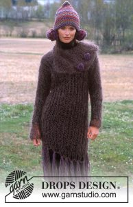 Free knitting pattern for a loose rib knit dress with fringing