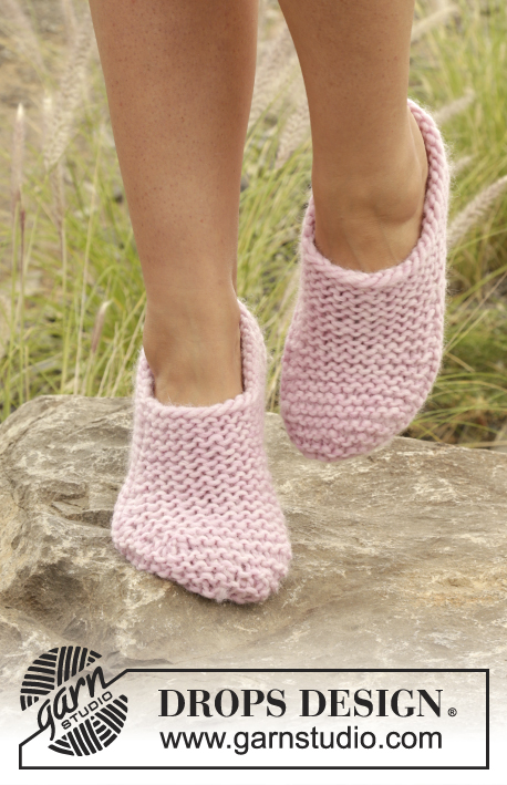Easy garter stitch slippers free knitting pattern
