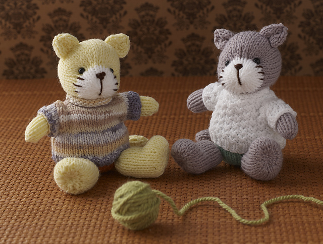 Free Knitting Pattern for a Cat in jumper ⋆ Knitting Bee