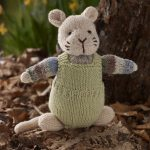 Free Knitting Pattern for a Mouse in Dungarees