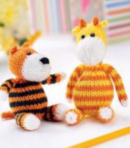 Free knitting pattern for a toy tiger and giraffe ⋆ Knitting Bee