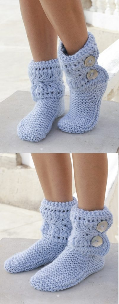 Free pattern for knitted slippers with lace pattern and garter stitch