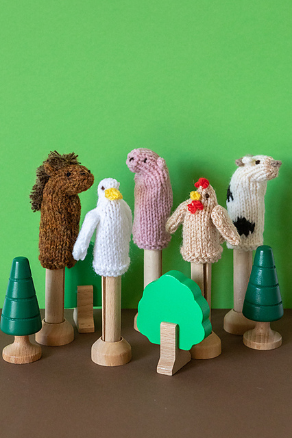 Free Finger Puppets Patterns Knitting Bee 12 Free Knitting Patterns