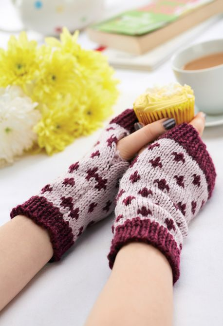 Free Wristwarmers Patterns Knitting Bee 22 Free Knitting Patterns