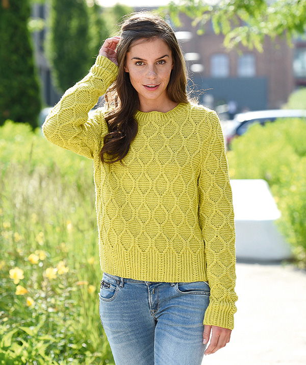 Free Knitting Pattern for a Sweater with Diamonds