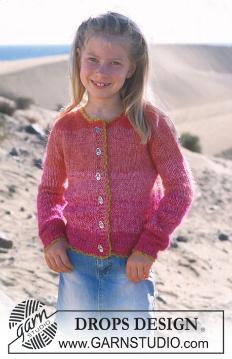 Free knitting pattern for an easy girls cardigan with raglan sleeves