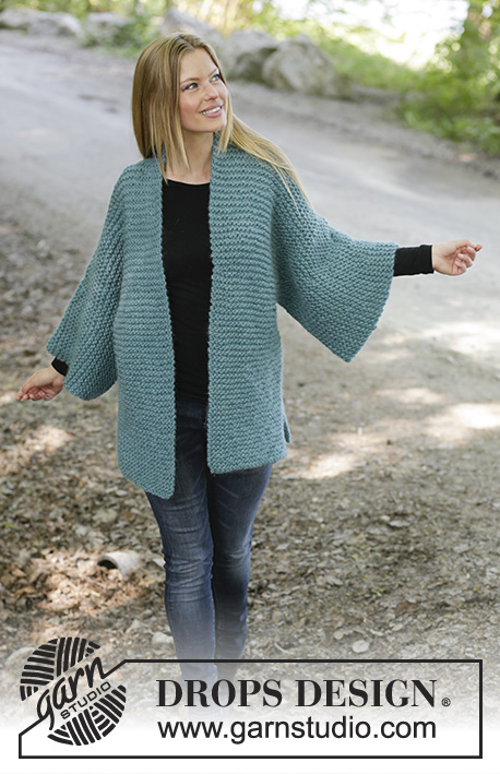 Free Knitting Pattern for a Garter Stitch Jacket Emerald Isle. The piece is worked in garter stitch with shawl collar, split in sides and kimono sleeves.