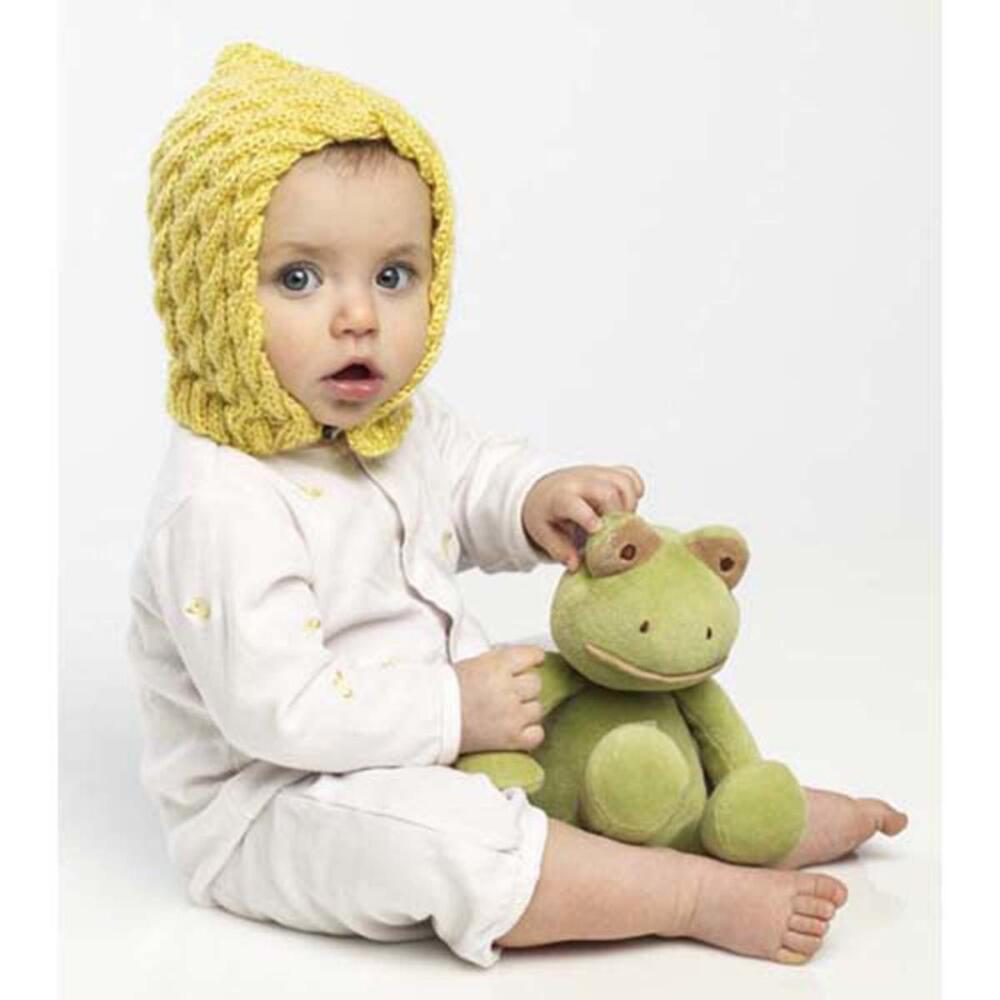 Free Knitting Pattern for a Cabled Bonnet for Baby