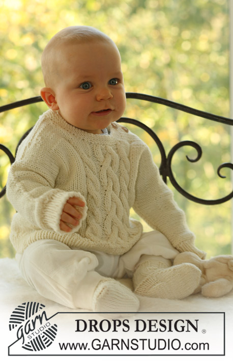 Set of knitted socks and jumper with cables and seamless sleeves, for baby and children