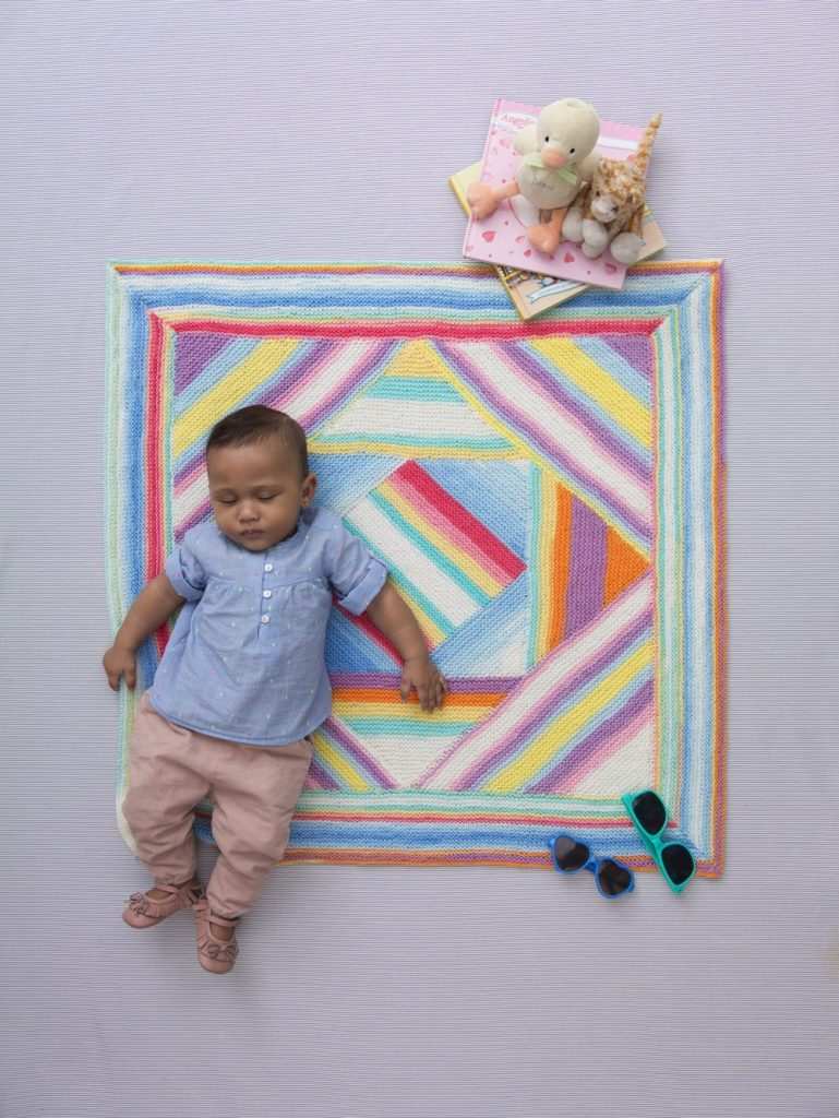 Free knitting pattern for an easy baby blanket for beginners