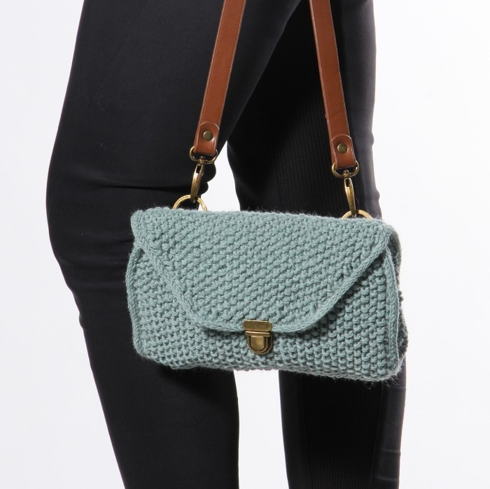 Free Knitting Pattern for a Bellis Purse