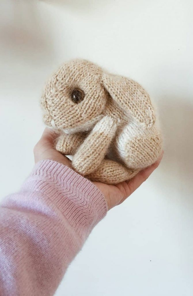 Free Knitting Pattern for an Easter Bunny