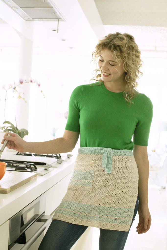 Free Knitting Pattern for an Apron with a Pocket