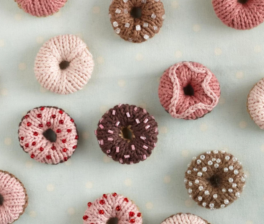 free knitting pattern for doughnut treats