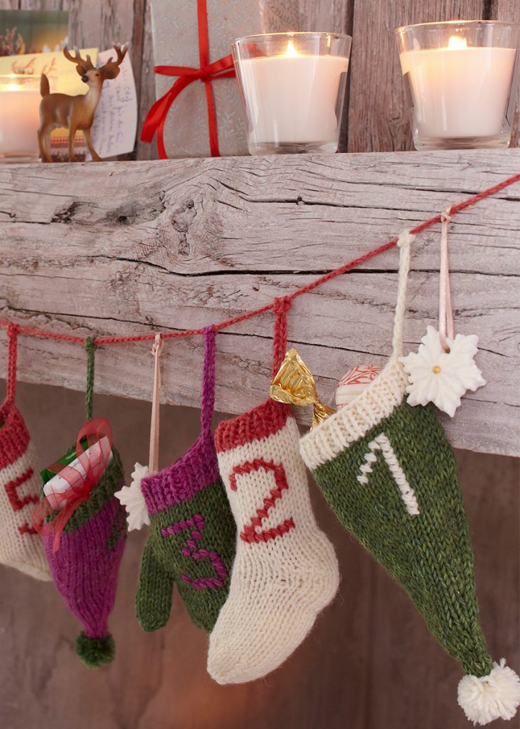 free christmas knitting pattern for an advent calendar garland